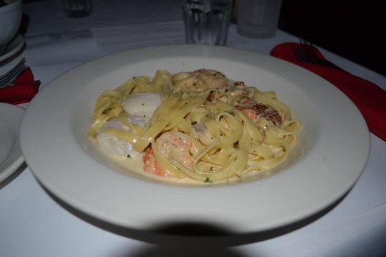 Neptune's Waterfront Grill & Bar : spaggeti seafood