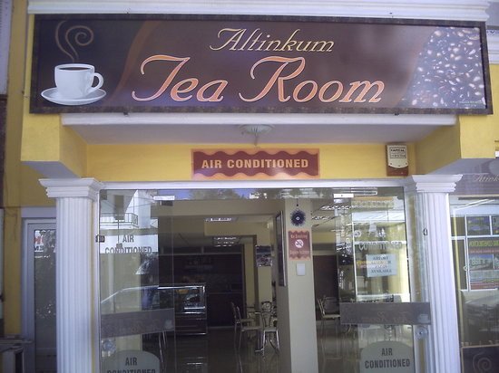 altinkum tearooms: the view from outside