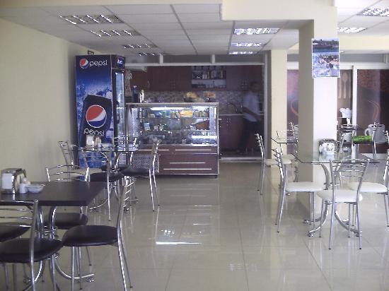 altinkum tearooms: inside
