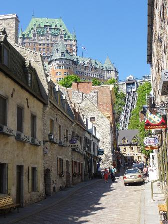 Quebec City, Canada: approaching the funiculaire