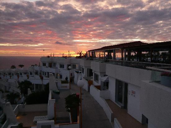 Hotel Riosol : sunset over appartments