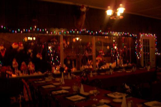 Deer Head Inn: Chirstmas Spirt at the Deerhead