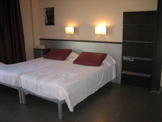 Allada Apartments 사진