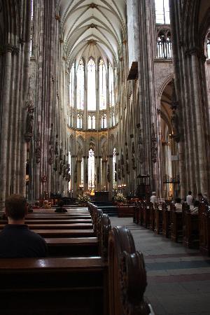 ケルン大聖堂 (ドーム), 荘厳さに圧倒されます