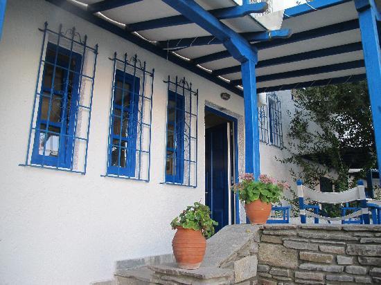 Virginia Hotel: porch