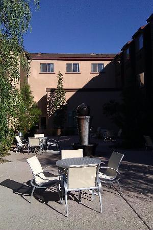 Baymont Inn & Suites Las Vegas South Strip: Outdoor area