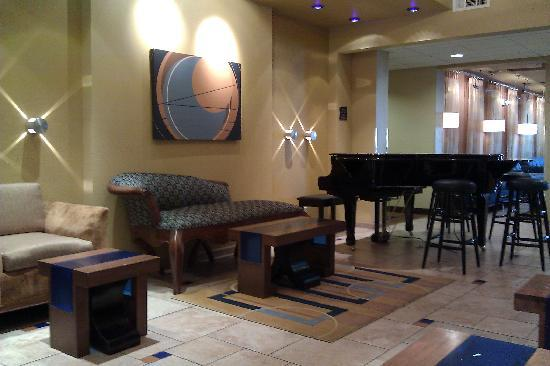 Baymont Inn & Suites Las Vegas South Strip: Lobby/Breakfast area