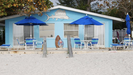 Sailfish Beach Resort: Open your patio door, and there is why you came to Anna Maria Island - the beach!