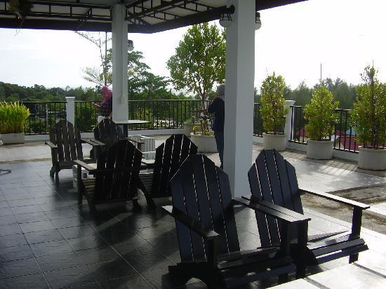 Coco Nori @ Sea Resort: roof top bar