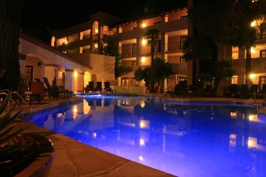 Sheraton Tucson Hotel And Suites The Poolside At Night