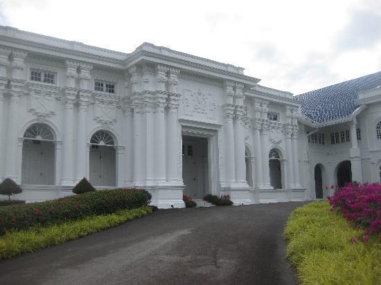 Grand Palace Park (Istana Besar) : palace entrance