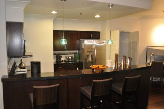 WorldMark Anaheim: outside kitchen area