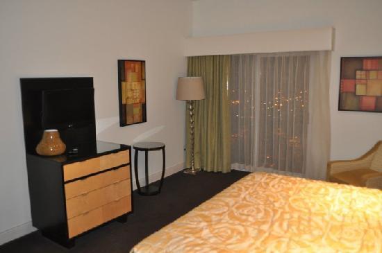 ورلدمارك أناهيم: master bedroom