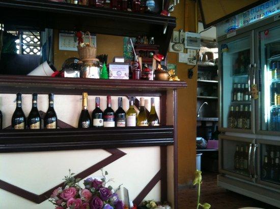 Onn Onn Corner Hua Hin: The bar