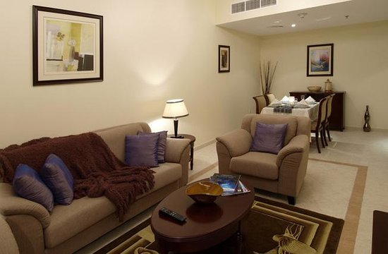 Baity Hotel Apartments: Deluxe Suite Living Room