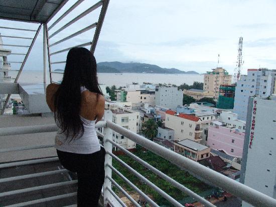 Rainbow Hotel: view from balcony door