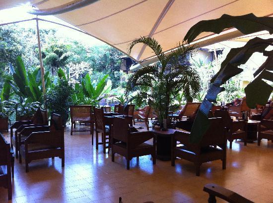 Victoria Angkor Resort & Spa: The terrace bar