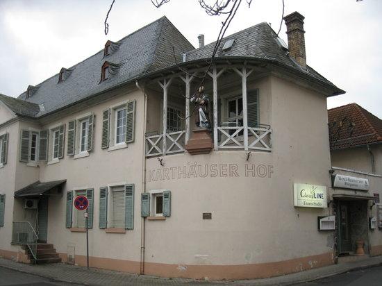 Florsheim, Alemania: Karthäuser Hof, Aussenansicht