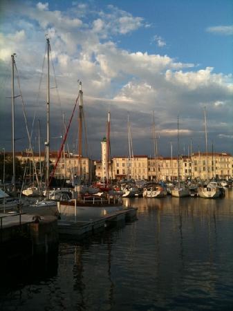Le vieux port picture of la rochelle charente maritime tripadvisor - Restaurant vieux port la rochelle ...
