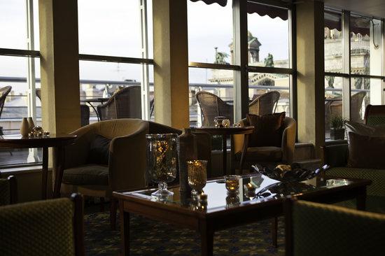 Renaissance St. Petersburg Baltic Hotel: 6th floor terrace of the Renaissance St. Petersburg