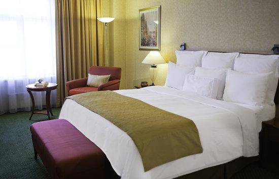Renaissance St. Petersburg Baltic Hotel: Deluxe room in Renaissance St. Petersburg