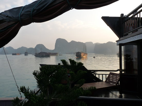 Vietnam Awesome Travel: Ha Long tour