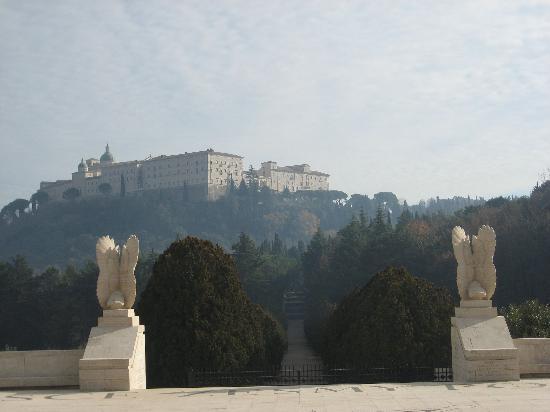Abbazia di Montecassino: View of the Abbey from the Polish Cemetary