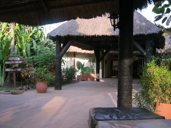 Kombo Beach Hotel: Hotel entrance