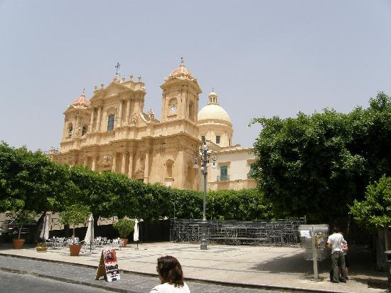 Noto, Italy: cattedrale