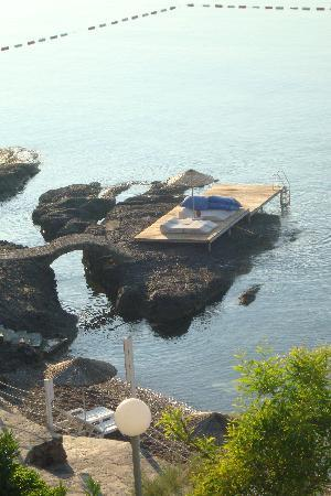 Fuga Fine Times: Sea decking sunbeds