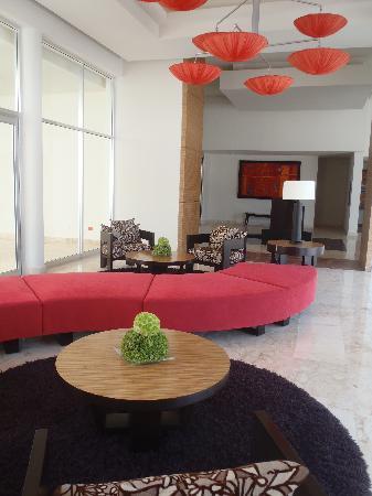 Azul Fives Hotel By Karisma: Lobby