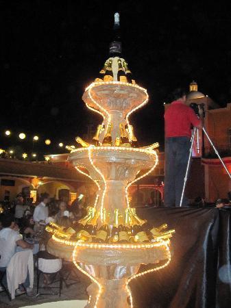 Grand Bahia Principe Tulum : champagne fountain on New Year