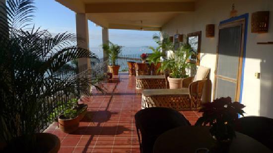Hotel La Quinta del Sol: Second floor terrace.