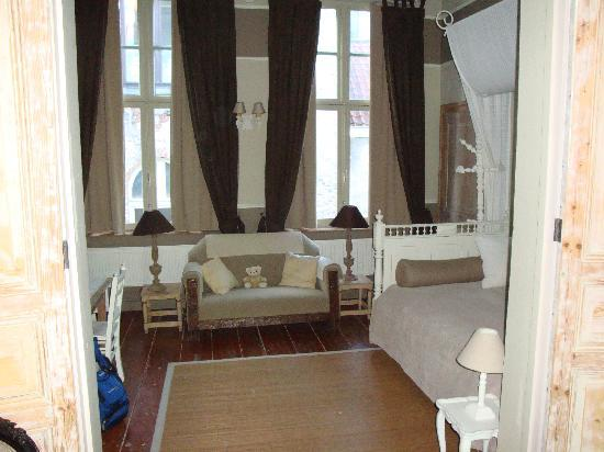 Cote Canal: Empire Suite, Sitting Room