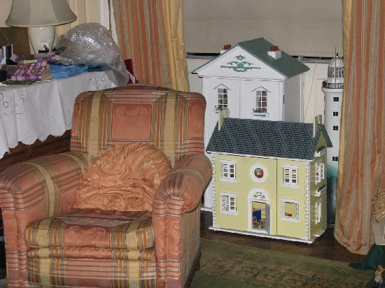 The Stevenson House: dolls's house