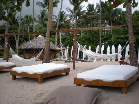 The Crown Villas at Lifestyle Holidays Vacation Resort: These beach beds are heavenly!