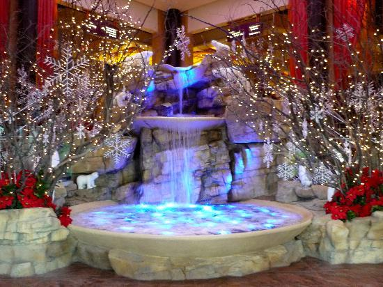 Mount Airy Casino Resort: Lobby fountain