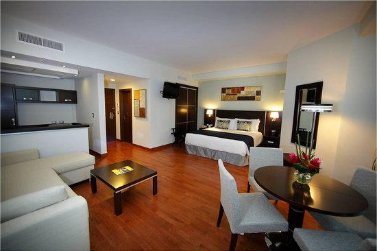 Marriott Executive Apartments Panama City, Finisterre: Enjoy the comfort of our Luxury Loft Suite with 1 King bed
