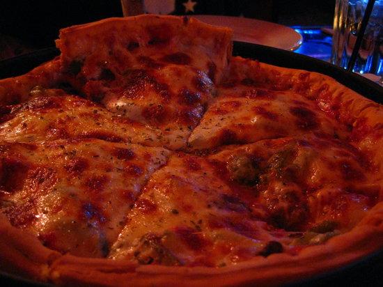 Gino's North: Deep Dish Pizza!