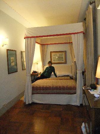 Residenza Johanna I - Antiche Dimore Fiorentine: Mini-Suite December 30, 2009