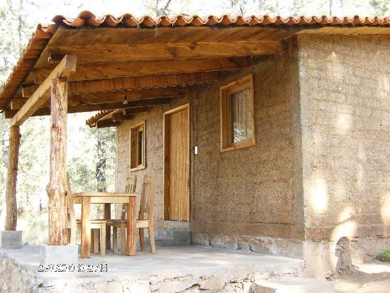 Cabanas Del Bosque: cabañas con chimena y con terrasas