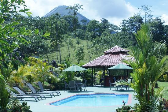 GreenLagoon Arenal Waterfall Villas: Pools & Arenal Volcano