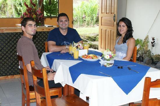 GreenLagoon Arenal Waterfall Villas: Lodge's Restuarant