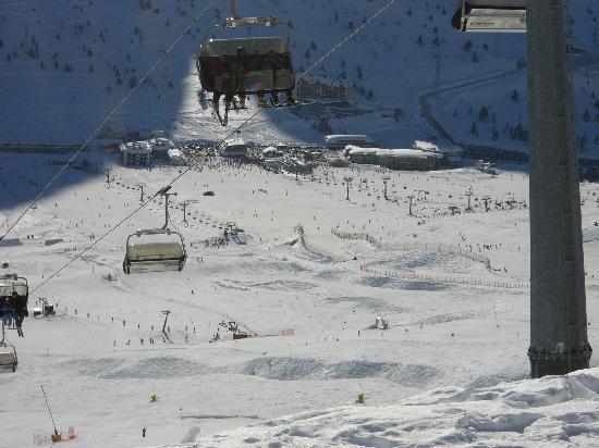 Residence Hotel Raggio di Luce: Dem Gletscher zugewande Seite mit Blick auf Tonale