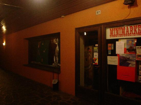 Montecampione, Italy: l'ipercoop!
