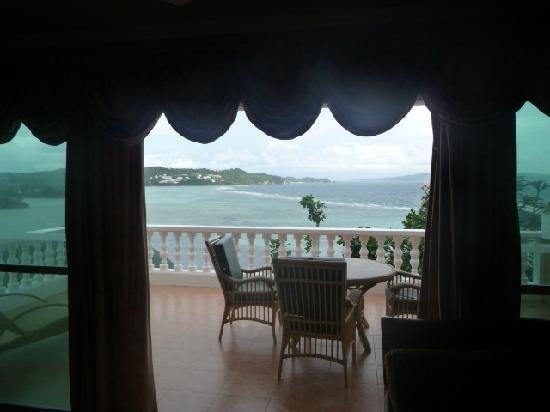 Monaco Suites de Boracay: View through to Balcony