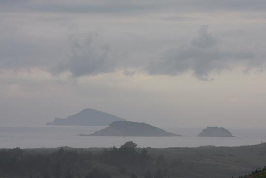 Salt Accommodation: View of Hen and Chicken Islands from Salt