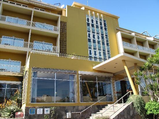 Entrada del hotel Tigaiga, enero 2011