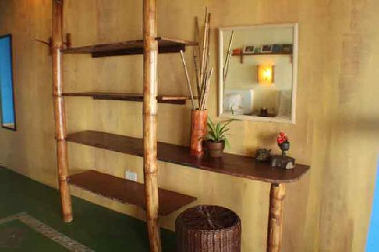 Portulano Dive Resort: dresser and study
