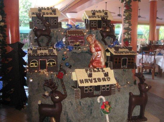 Hotel Barcelo Maya Beach : voici l'une des belles pièces montées pour Noël tout en chocolat